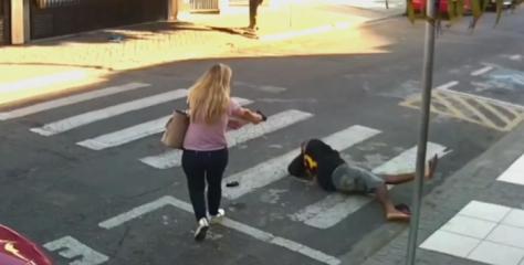 ¡Ejemplar! Mujer disparó a ladrón para evitar robos a familias